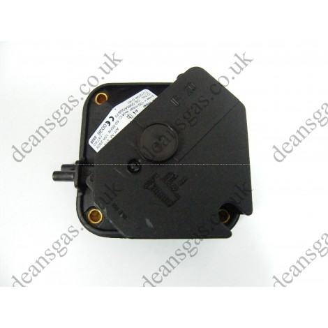 Ariston Air Pressure Switch 573579 (Replaces 573452 & 570549) (DIA 24 MFFI)