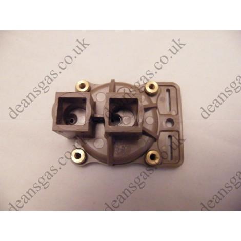 Ariston DHW pressure switch bottom cover 571777 (Genus 27 BFFI Plus)